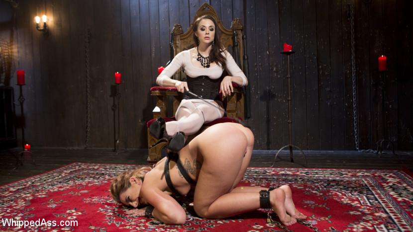 Lesbian Facesitting Slave Girl